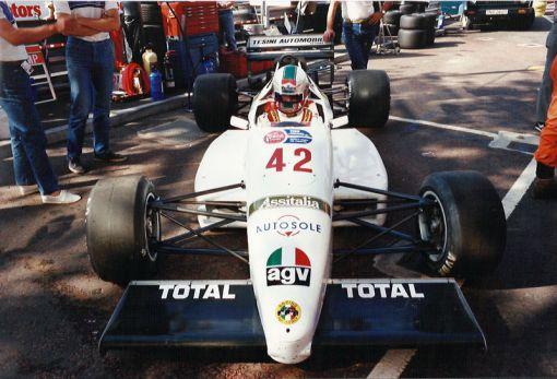 Nicola Tesini com o Dallara 3087 da Forti-Corse nos treinos do Superprix de Birmingham de 1987