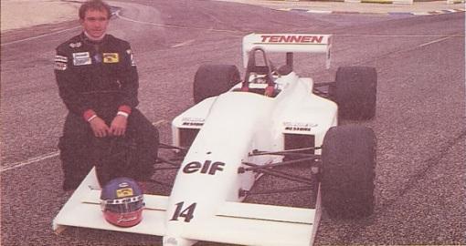 O carro da AGS em 1988. Mas espera aí: aquele não é Roberto Moreno...