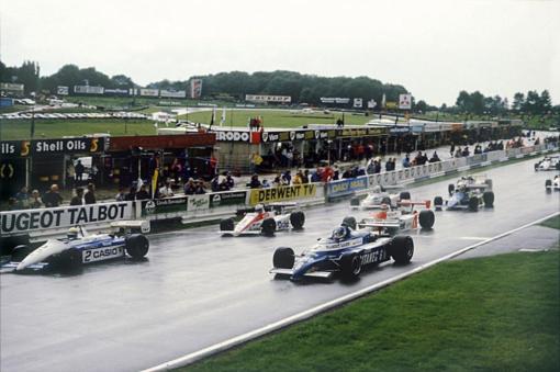 Philippe Streiff na última corrida da história da Fórmula 2, a etapa de Brands Hatch da temporada de 1984. Ele venceu essa corrida de forma maestral