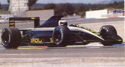 Yannick Dalmas em Paul Ricard, largando pela segunda vez no ano de 1990