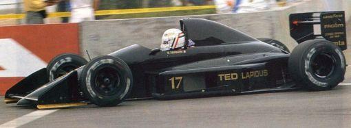 Gabriele Tarquini na pré-classificação do GP dos EUA de 1990: com o antigo JH24, mais do mesmo...
