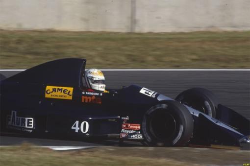 Gabriele Tarquini pagando todos os seus pecados em Suzuka, um dos piores fins de semana da história da AGS na Fórmula 1