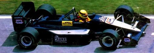 Joachim Winkelhock, o único piloto da AGS no GP do Brasil