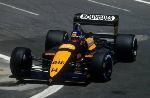 Philippe Streiff no GP dos EUA de 1988: antes de bater sozinho, corridaça