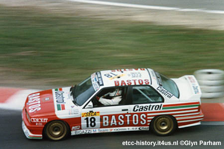 Tarquini disputando as 24 Horas de Spa-Francorchamps. Altos problemas nesses dias...