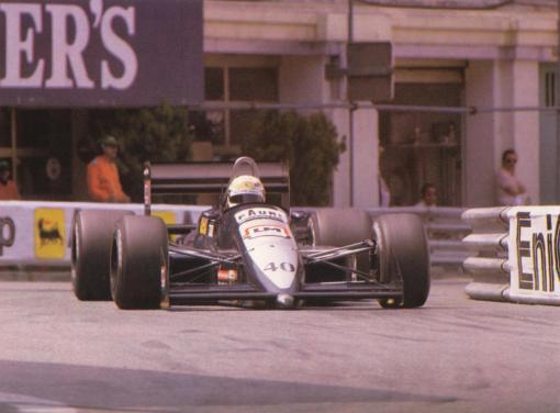 Em Mônaco, Tarquini foi uma das atrações do fim de semana. Pena que o carro não aguentou...