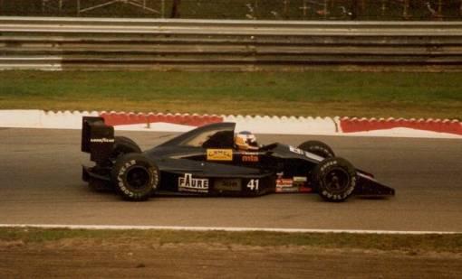 Yannick Dalmas em Monza. Ele quase conseguiu um milagre em Estoril, mas...