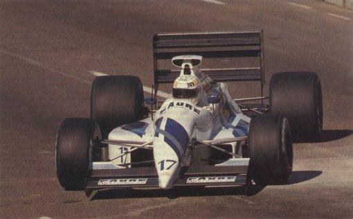 Gabriele Tarquini, desfilando pintura nova nas ruelas de Phoenix, no início de 1991