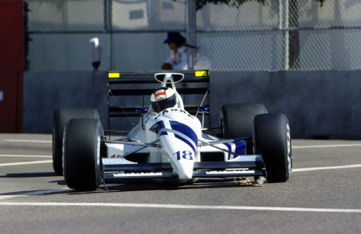Stefan Johansson, que estava aceitando qualquer coisa para permanecer na Fórmula 1