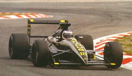 Yannick Dalmas, tentando classificar seu AGS JH25 sem muito sucesso em Spa-Francorchamps