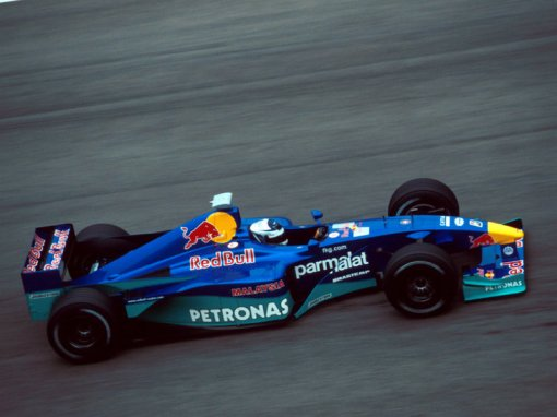 Kimi Räikkönen fazendo seus primeiros testes com a Sauber no final de 2000: ele também estreou jovem e sem experiência, mas os tempos eram outros...