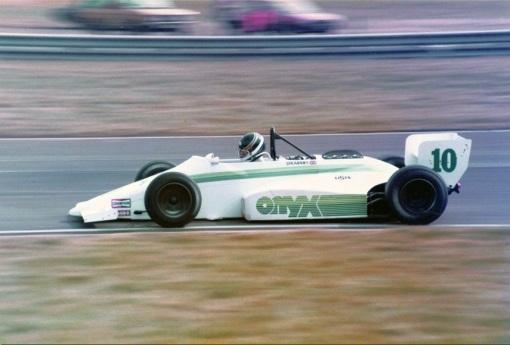 O conde Johnny Dumfries, uma das grandes decepções da Fórmula 3000 (e também da Fórmula 1)