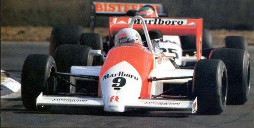 Modena em sua corrida de estreia na Fórmula 3000, Silverstone/1987