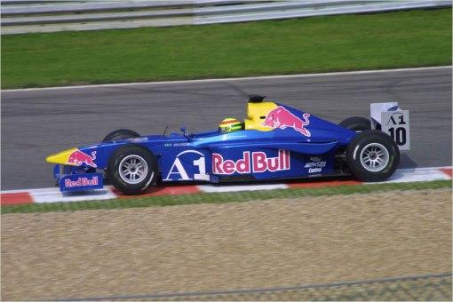 Ricardo Mauricio, um daqueles que só voltaram ao Brasil depois de quase entrarem na Fórmula 1. Espécie cada vez mais rara...