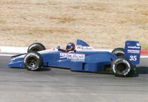 O belo, mas ao mesmo tempo horrendo, carro da Monteverdi Grand Prix
