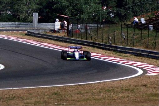 Gregor Foitek passeando por Hungaroring: problemas até mesmo com Ayrton Senna